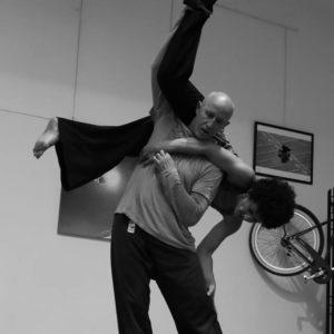 Seminario Di Contact Improvisation Con Roberto Lun